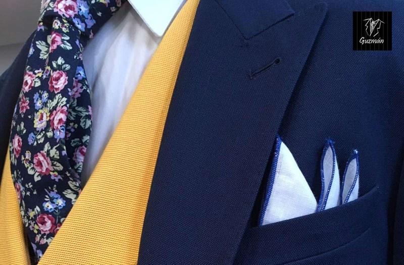 características sobresalientes precio razonable comprar Formas de ponerse un pañuelo de bolsillo en los trajes de ...