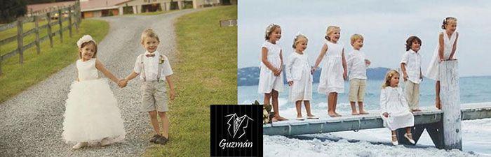 Niños vestidos de pajes