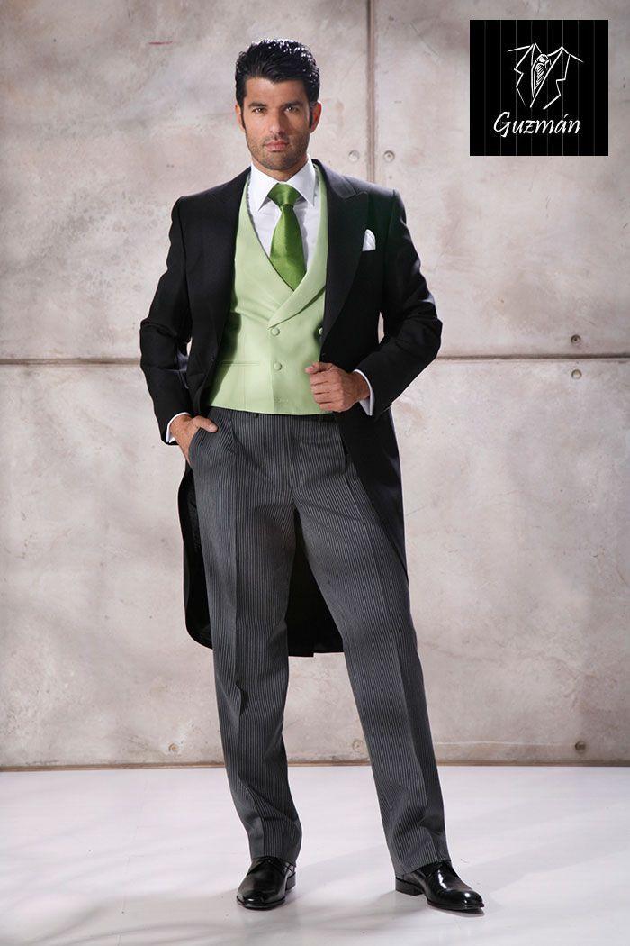Chaqué con chaleco cruzado verde