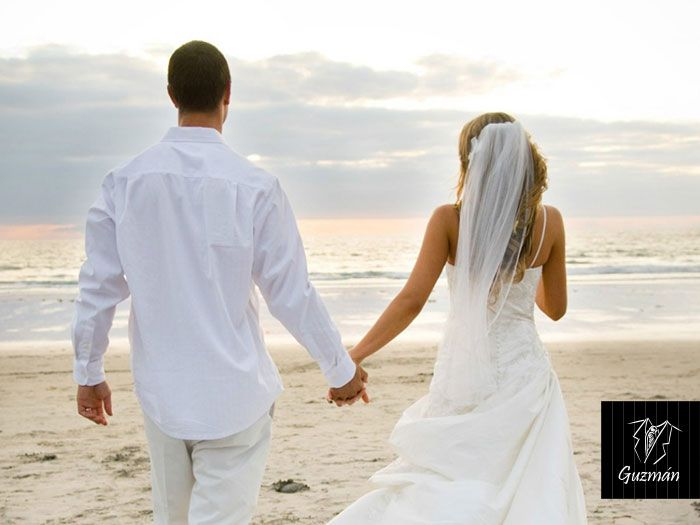 Trajes de lino blanco para novio